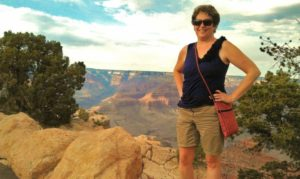 Science Fiction fan Tammy Schoch posing by the grand canyon